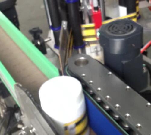 Máquina de etiquetaxe de botellas redondas, embotelladora e etiquetadora para frasco suger