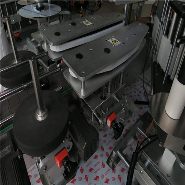 Aplicador de etiquetas automático de botellas cadradas CE Aplicador de etiquetas automatizado 5000-8000 B / H