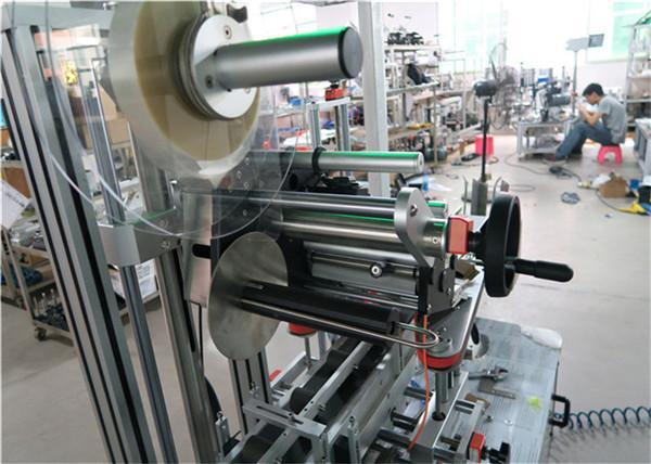 Aplicador automático de etiquetas de superficie plana para máquina de etiquetaxe superior con transportador / equipo de etiquetaxe superior