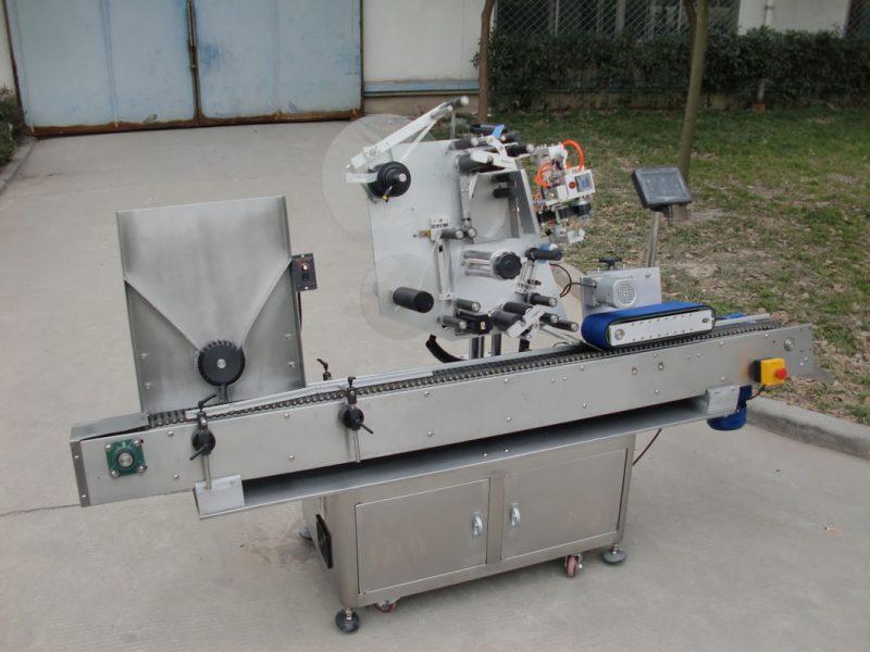 Máquina de etiquetaxe de frascos da marca HY do motor transportador de China, 7a máquina de adhesivos de etiquetas de baterías para provedor de produtos electrónicos